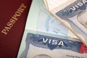 Làm visa mất bao lâu?
