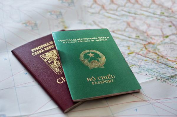 h1 chụp ảnh hộ chiếu cho trẻ sơ sinh